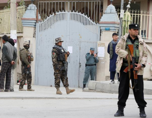 Afghan security forces keep watch in front of a mosque where an explosion happened in Kabul, Afghanistan November 21, 2016. REUTERS/Omar Sobhani